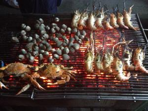seafood street food in thailand