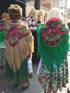 traditional shawls poland